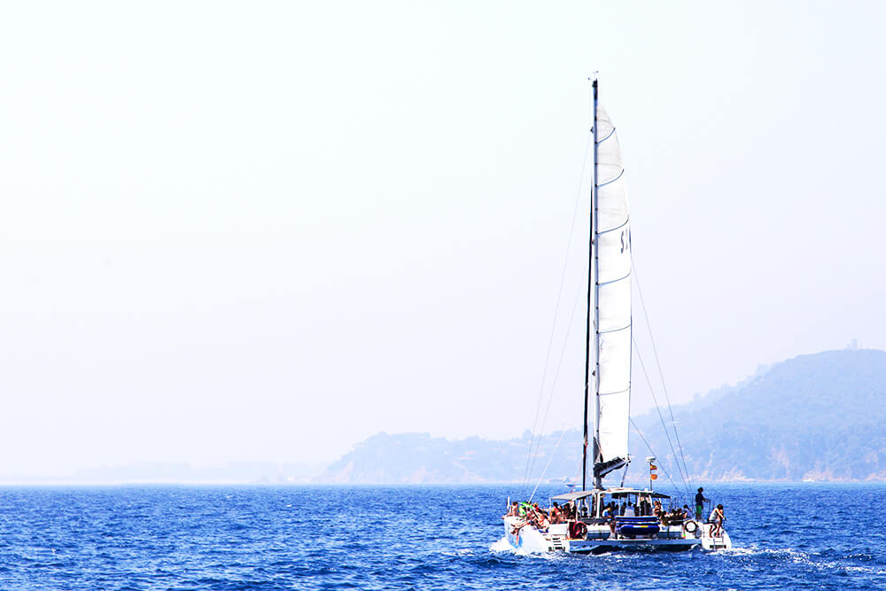 salida-compartida-en-catamaran-costa-brava-8