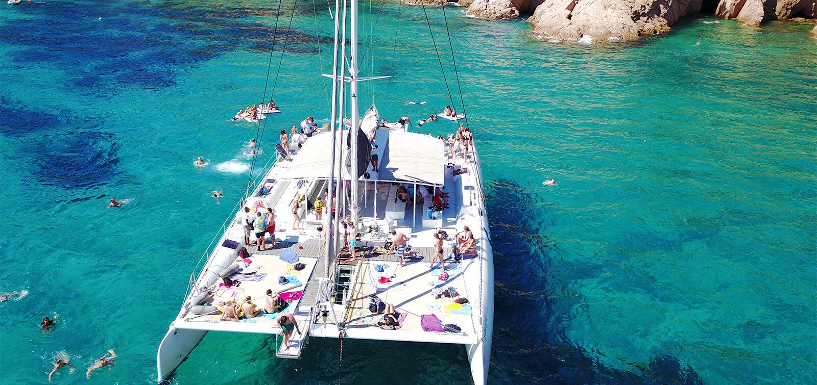 salidas-compartidas-catamaran-todo-incluido-t