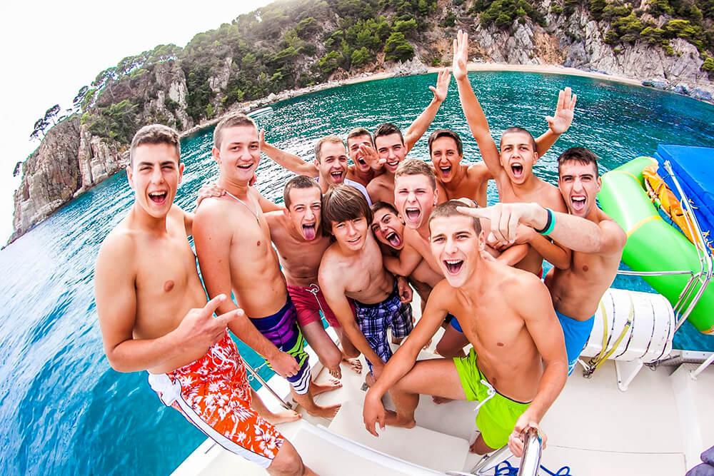 salidas-en-catamaran-para-grupos-8
